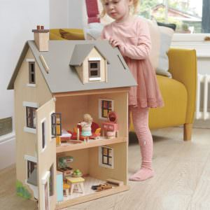 Browse All Doll Houses